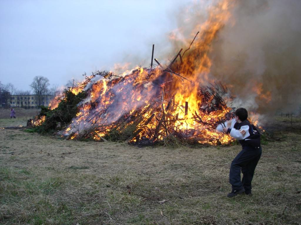 Osterfeuer 200616